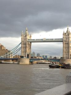 Tower Bridge .